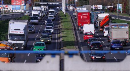 Prosvjed prijevoznika paralizirao zagrebačke prometnice