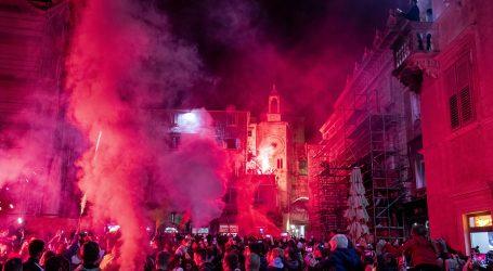 Dok su epidemiološke mjere na snazi, preko dvije tisuće navijača slavilo rođendan Torcide bez znanja policije i Civilne zaštite
