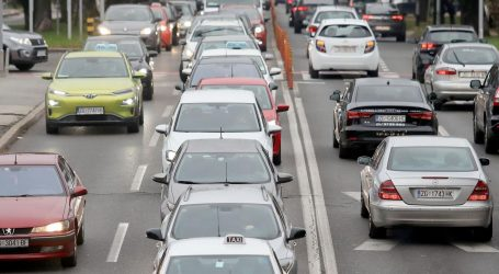 MUP upozorava – od nedjelje obvezna vožnja s upaljenim svjetlima