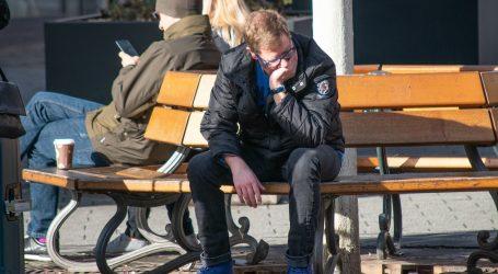 Gotovo polovina potrošača strahuje od gubitka posla i pogoršanja zdravstvene skrbi