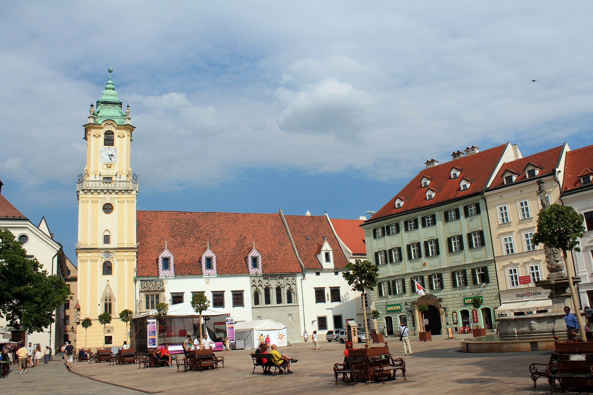 Slovačka ograničila kretanje na minimum i masovno testira