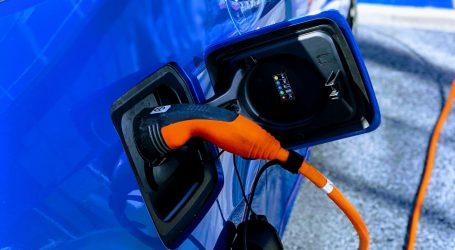 Autoindustrija poručuje da Europa mora proširiti mrežu punionica za elekrična vozila