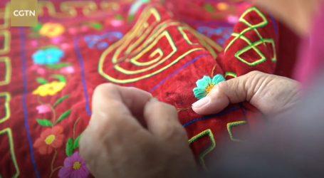 Tradicionalni mongolski muški šal ima i funkciju torbice