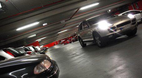 Vožnja ukrug u garaži ponekad može sasvim zbuniti vozače