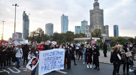 Zagovornici prava na pobačaj blokirali ulice u Poljskoj
