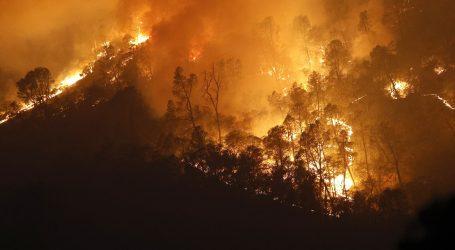 U Kaliforniji zbog požara evakuirano 60.000 ljudi