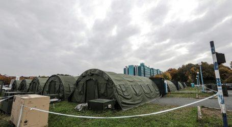 Spremna zagrebačka Arena i šatori pred bolnicom u Dubravi