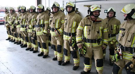 Australski vatrogasci pozirali za golišavi kalendar, novac od prodaje ide dječjoj bolnici