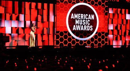 Unatoč pandemiji spektakl na dodijeli American Music Awards