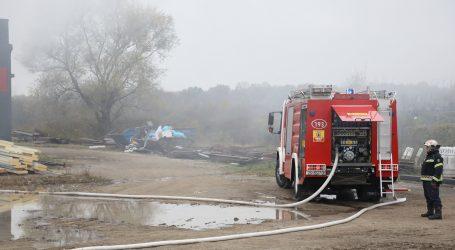 Poginula jedna osoba u požaru stambenog kontejnera u Zagrebu