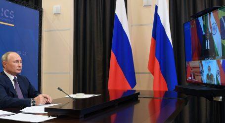 Putin poziva BRICS da se pridruži Rusiji u proizvodnji cjepiva