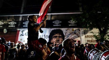 Argentina oplakuje Maradonu, 'najljudskijeg među bogovima'
