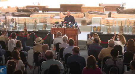 Sarkofazi i artefakti iz grobnica Sakare sele u egipatske muzeje
