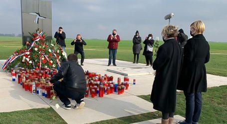 """Glavašević: """"I Plenković je trebao baciti vijenac u Dunav, ali nema hrabrosti"""""""