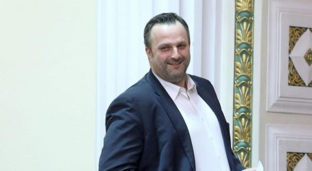 Glavni tajnik SDP-a pozitivan na koronavirus