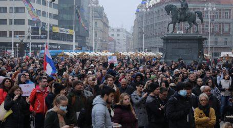FOTO: Na glavnom zagrebačkom trgu prosvjed protiv Nacionalnog stožera