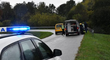 Tešku prometnu nesreću s troje stradalih, izazvao mladi vozač