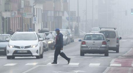 HAK: Kolnici vlažni i skliski, ima i magle