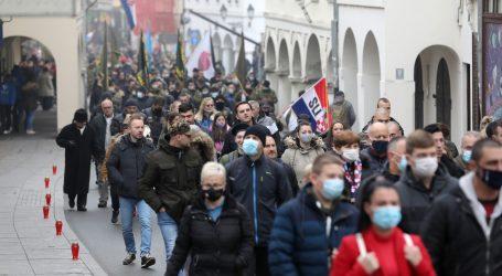 Kolona sjećanja u Vukovaru prošla uz više tisuća okupljenih, u Škabrnji puno skromnije