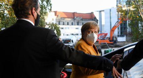 Merkel: Držimo se propisanih mjera i zaboravimo na razuzdan doček Nove godine