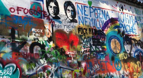 Zašto John Lennon nikada nije proglašen počasnim vitezom