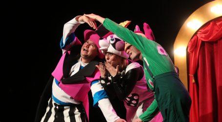 Češki cirkuski umjetnici ipak nastupaju, u kazalištu postavili 'kulturni prozor'