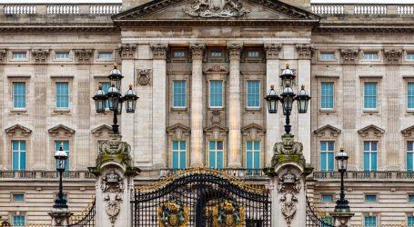 Buckinghamska palača ima posebnu sobu za kino projekcije, ali zaposlenicima nije dozvoljeno gledati 'Krunu'