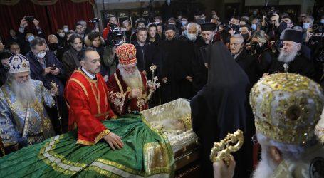 Repriza neodgovornosti: Patrijarh Irinej ispraćen bez poštovanja epidemioloških mjera