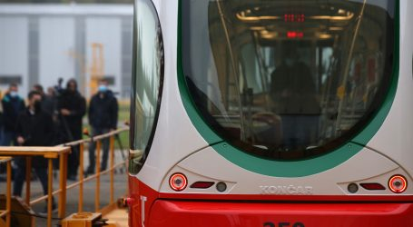 Končar predstavio prvi od 12 tramvaja za Latviju