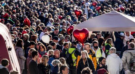 Grad Leipzig prekinuo prosvjed 20 tisuća protivnika epidemioloških mjera