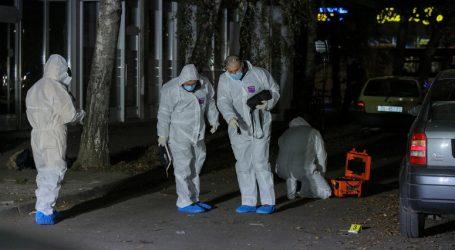 U Osijeku hladnim oružjem ozlijedio dvije osobe pa sebe