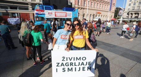 """Slabašan prosvjed protiv mjera: """"Korona je politički projekt"""""""