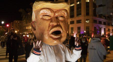 """Nepismeni Trump pogrešno napisao riječ """"birališta"""", pa """"zatvorio"""" Poljake"""