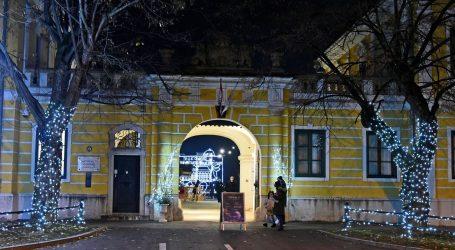 U vukovarskom Dvorcu Eltz upaljena prva adventska svijeća