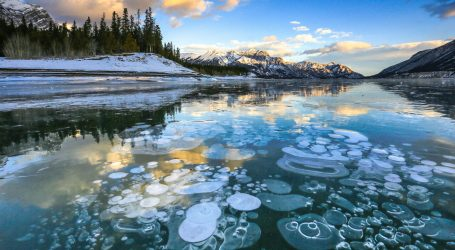 U zaleđenom jezeru zapalili metanske mjehuriće