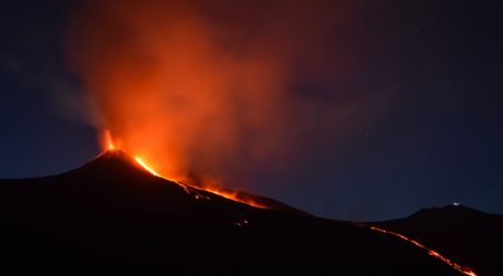 Vulkan Etna nakon više eksplozija ponovno eruptirao, pogledajte snimke