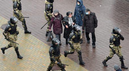 Bjeloruski prosvjedi ne posustaju, dosad uhićeno više od 30 tisuća ljudi