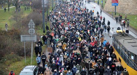 Poljaci opet prosvjedovali protiv drakonskog zakona o pobačaju