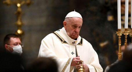 "Papa Franjo u božićnom obraćanju: ""Solidarnost nam je sada najpotrebnija"""
