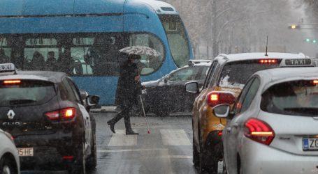 HAK upozorava na ledenu kišu, poledicu i razmočeni snijeg