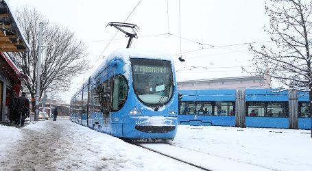ZET: Snijeg uzrokuje probleme u tramvajskom prijevozu