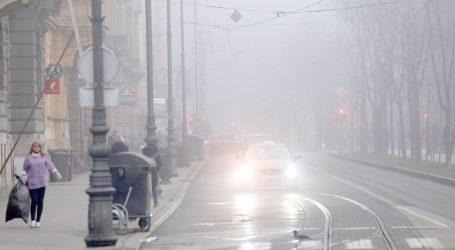 HAK: Oprezno zbog magle i skliskih kolnika