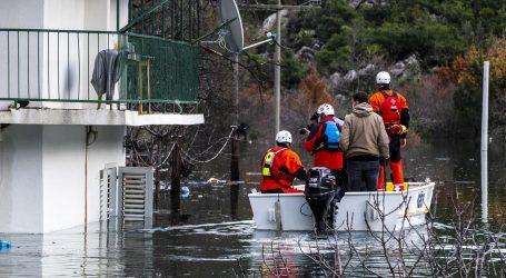 """Nezapamćene poplave oko Vrgorca: """"Treba razmišljati o budućnosti, da se ne dogodi scenarij kao s kućama u Gunji"""""""