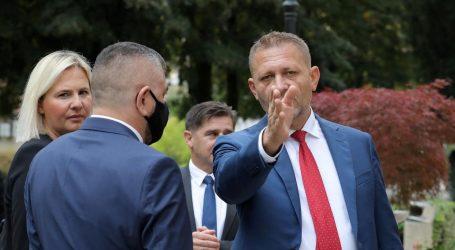 Beljakovi unutarstranački protivnici šokirani Maleničinom 'amnestijom' Beljaka pa spremaju novi udar
