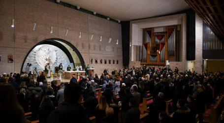 """""""Jednakost"""" pred mjerama: Građanima kazne, svećenicima razgovor"""