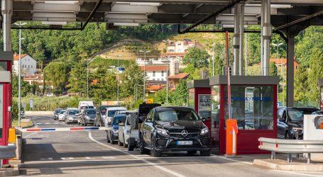 Stvaraju se velike gužve na ulazu u Hrvatsku, mnogi pokušavaju ući i bez PCR testova