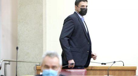 """Bernardić se pojavio u Saboru: """"Zdravstveni sustav je u rasulu, situacija je izmakla kontroli"""""""
