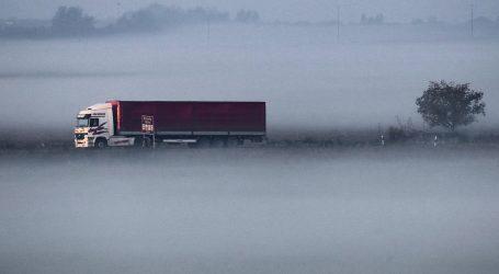 HAK: Kolnici vlažni i skliski, oprezno zbog magle