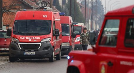 """Vatrogasci pozivaju: """"Pokažimo dostojanstvo, podršku ljudima koji su izgubili sve, ne pucajte"""""""