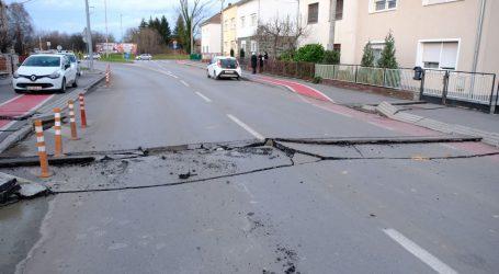 U većem dijelu zemlje mokri i skliski kolnici, otežano se vozi na prometnicama Sisačko-moslavačke županije